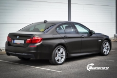 BMW 5 serie foliert Satin Gold Dust Black_