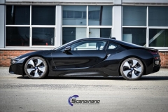 BMW i 8 foliert i Svart glossy Sport auto tilhenger
