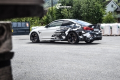 BMW M4 foliert med camo design-11