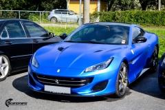 Ferrari helfoliert med Matt Anodized Blue fra PWF-10