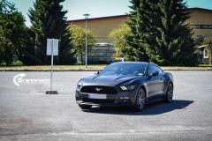 Ford Mustang foliert Matt Diamond Black Metallic Scandinano