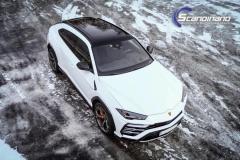 Lamborghini Urus helfoliert med Satin Frozen Vanilla