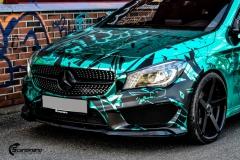 Mercedes CLA Shootingbrake AMG foliert i turkis gronn krom med custom made design (1 из 10)