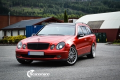 Mercedes W 211 foliert med Dragon Fire Red Scandinano_