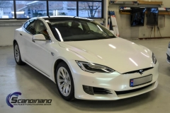 tesla-s-foliert-i-pacific-bluewhite-starlight
