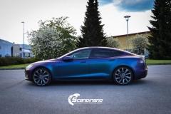 Tesla S foliert med rushing riptide Scandinano_