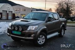 Toyota-Hilux-foliert-i-Matt-Bronze-Bronze-PWF-Scandinano