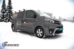 Toyota Proace profilert med Tranby Tømrerne dekor-4