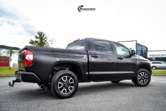 Toyota Tundra helfoliert med Black Satin fra 3M-7