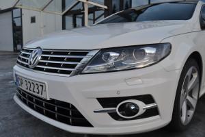 Foliering av bil med gjennomsiktig lakkbeskyttelse