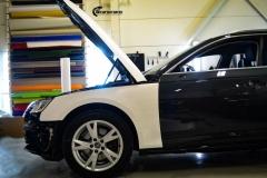 Audi A4 helfoliert med hvit 3M folie,Print dekor (3 из 12)