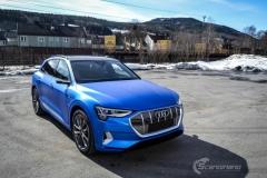 Audi e-tron foliert med Matt Anodized Blue 2.0-20