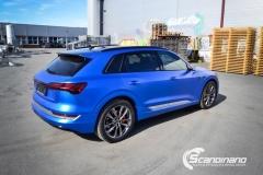 Audi e-tron foliert med Matt Anodized Blue 2.0-24