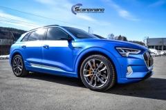 Audi e-tron foliert med Matt Anodized Blue 2.0-25
