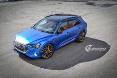 Audi e-tron foliert med Matt Anodized Blue 2.0-30