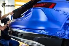 Audi e-tron foliert med Matt Anodized Blue 2.0-7