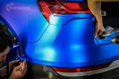 Audi e-tron foliert med Matt Anodized Blue 2.0-8
