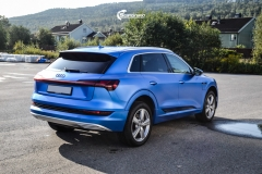 Audi e-tron helfoliert med Satin Perfect Blue fra 3M-13