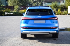 Audi e-tron helfoliert med Satin Perfect Blue fra 3M-14