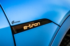 Audi e-tron helfoliert med Satin Perfect Blue fra 3M-18