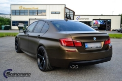 BMW-5-serie-foliert-i-matt-bond-gold-fra-pwf-2