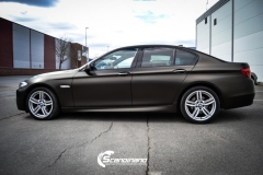 BMW 5 serie foliert Satin Gold Dust Black_-10
