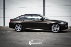 BMW 5 serie foliert Satin Gold Dust Black_-2