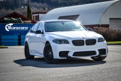 BMW F10 foliert i Diamond white-2