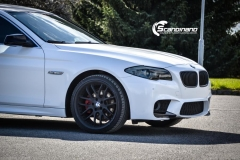 BMW F10 foliert i Diamond white-8