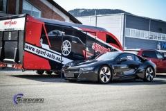 BMW i 8 foliert i Svart glossy Sport auto tilhenger-17