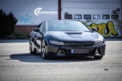 BMW i 8 foliert i Svart glossy Sport auto tilhenger-8