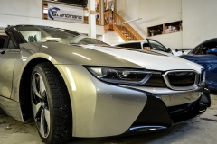 BMW-i8-helfoliert-i-Satin-Frozen-Vanilla-fra-3M.-1