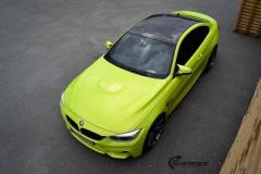 BMW M4 foliert med  Atomic Lime fra PWF-22
