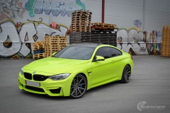 BMW M4 foliert med  Atomic Lime fra PWF-24