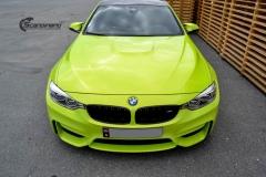 BMW M4 foliert med  Atomic Lime fra PWF-25