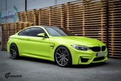 BMW M4 foliert med  Atomic Lime fra PWF-26