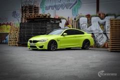 BMW M4 foliert med  Atomic Lime fra PWF-30