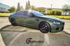 BMW M6 helfoliert-i-military-green-morkere-lykter-2