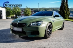 BMW M6 helfoliert-i-military-green-morkere-lykter-4