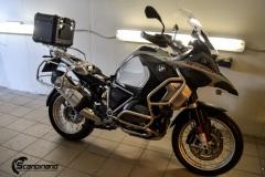 BMW-R-1250-GS-MC.-Delfoliert-i-2-farger.Satin-Dark-Grey.Matt-Diamond-Black-1