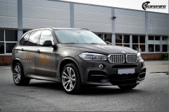 BMW X5 foliert med Black Brushed Aluminium,decor Kalmo Gard-2