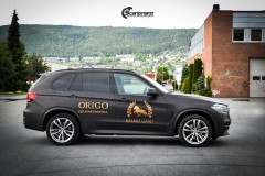 BMW X5 foliert med Black Brushed Aluminium,decor Kalmo Gard-3