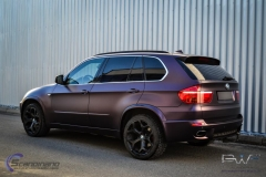 BMW X5 foliert i matt midnight purple pwf