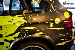 BMWX5 foliert i Atomic Lime fra PWF-12