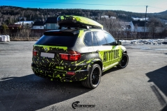 BMWX5 foliert i Atomic Lime fra PWF-18