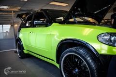 BMWX5 foliert i Atomic Lime fra PWF-2