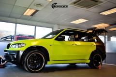 BMWX5 foliert i Atomic Lime fra PWF-5