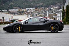 Ferrari 488 foliert med Satin Black 3M