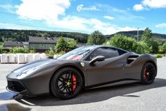 Ferrari helfoliert i Matt Diamond Black fra PWF-2
