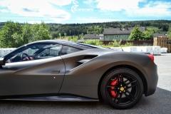 Ferrari helfoliert i Matt Diamond Black fra PWF-3